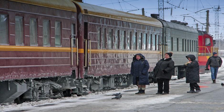 Trans-Siberian-Railroad-in-Winter_via-Axel-Scheibe