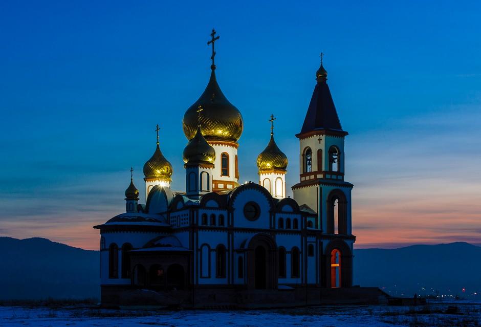 Eglise orthodoxe en hiver