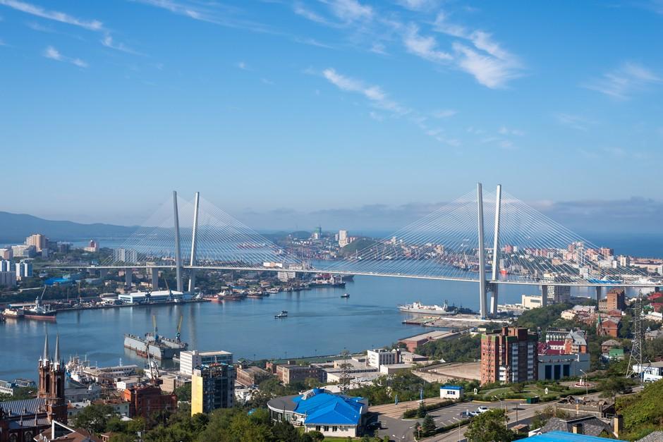Pont de la Corne d'Or à Vladivostock