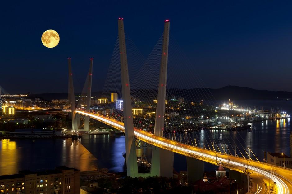 Pont de la Corne d'Or la nuit