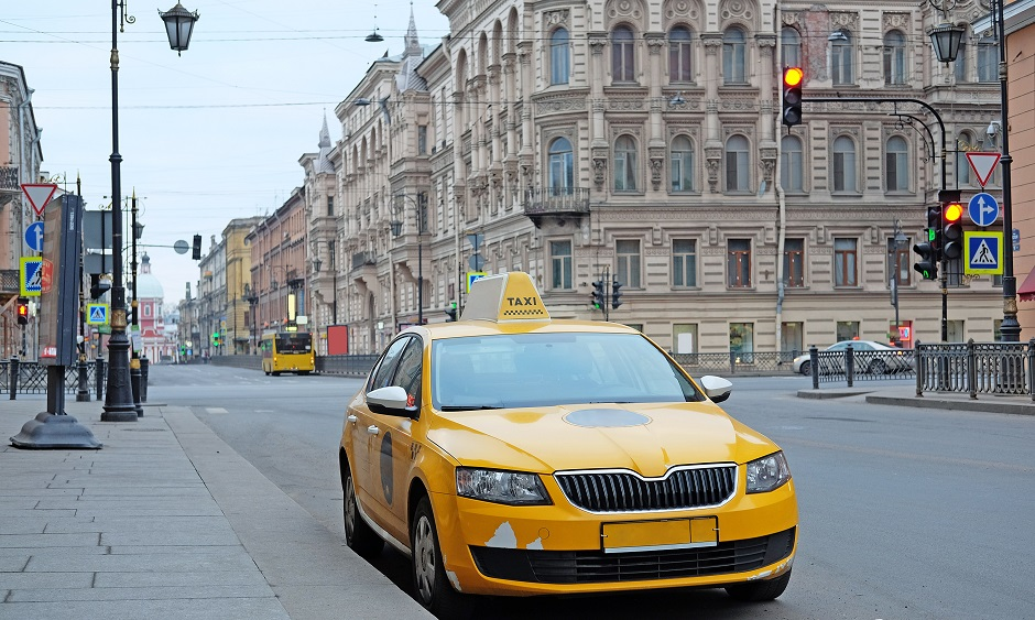 Taxi à Saint-Pétersbourg