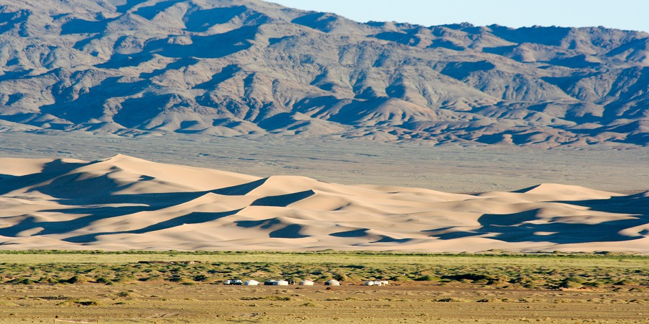 Yourtes, dunes et montagne